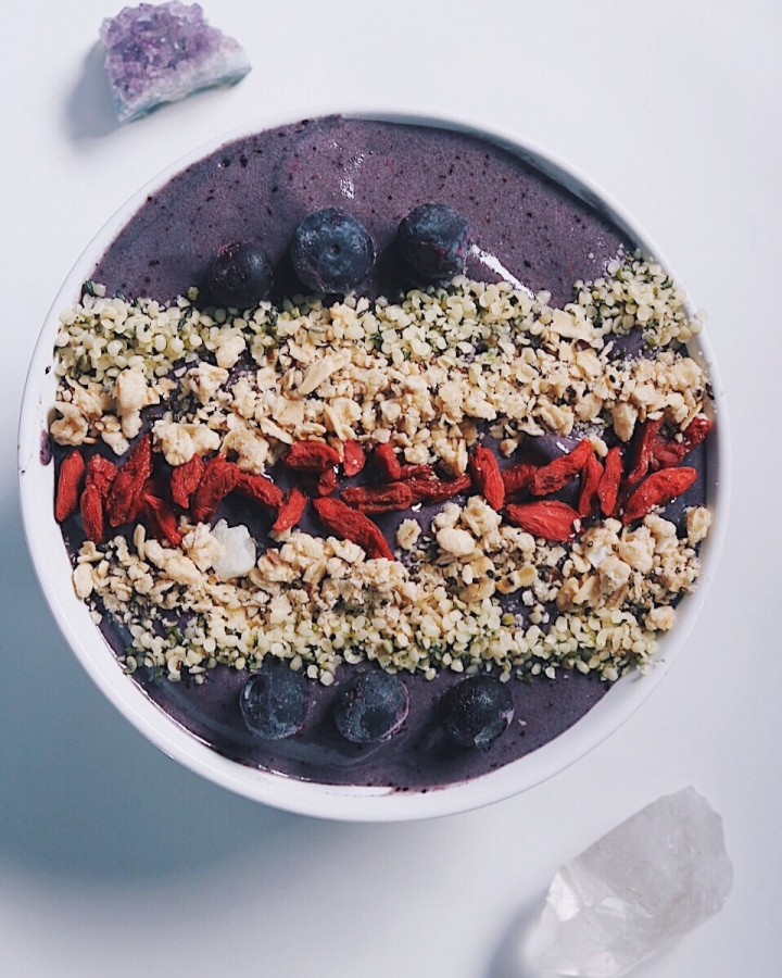 This Smoothie Bowl Hack Won't Drive You Bananas